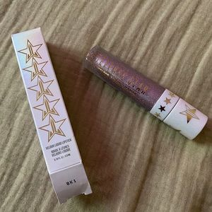 """Jeffree Star Liquid Lipstick in the shade """"Clout"""""""